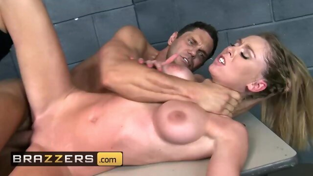 Brazzers - Slutty cop Brynn Tyler loves to abuse her power bigtitsinuniform dick